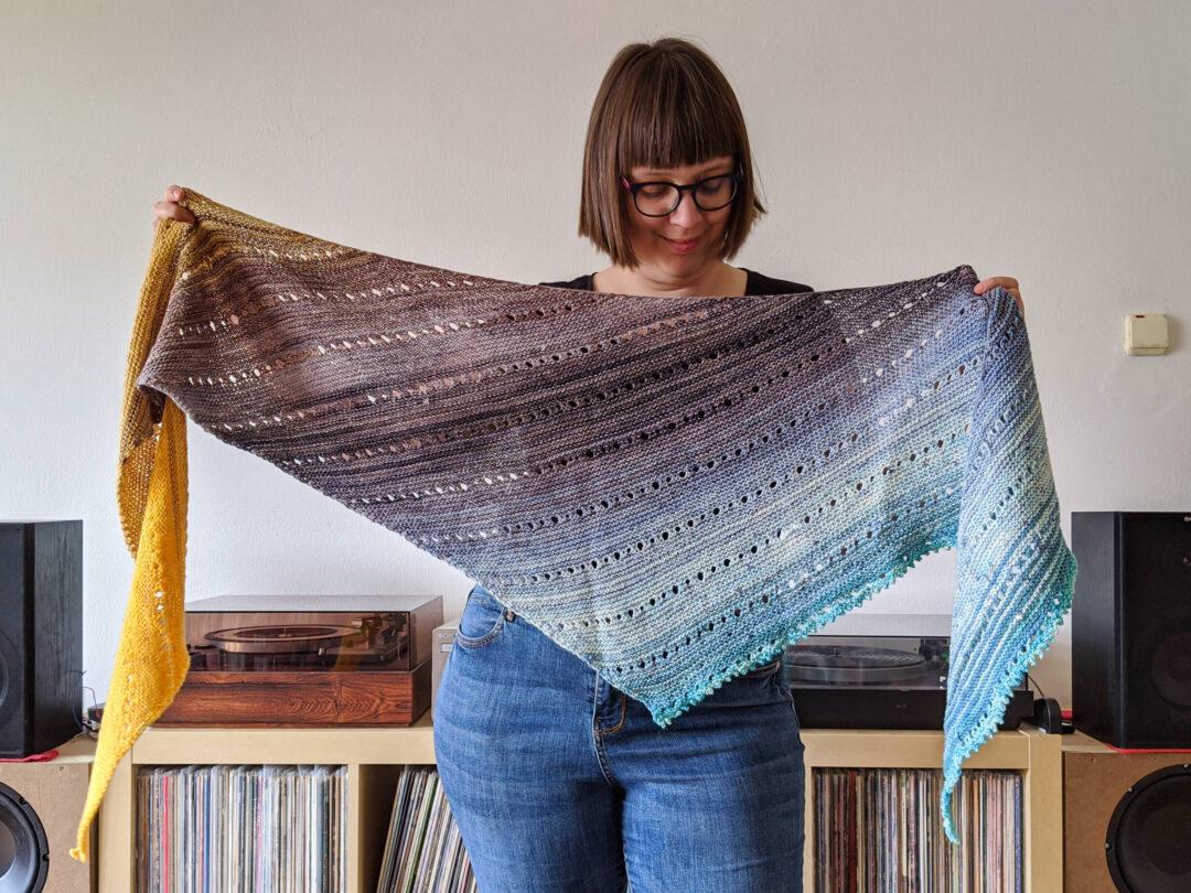 Pletený šátek s fadováním